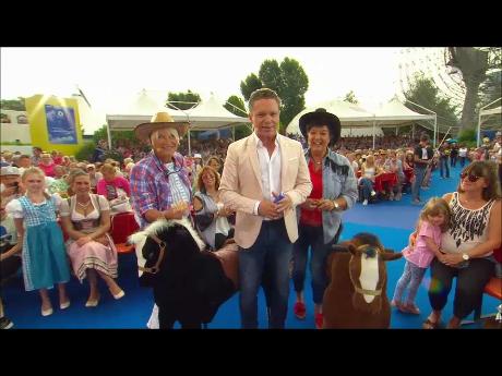 """Pferderennen-Spiel – Ausschnitt aus """"Immer wieder sonntags"""" (ARD) 22.07.2018"""